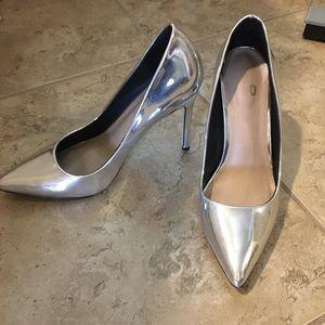 Silver pumps